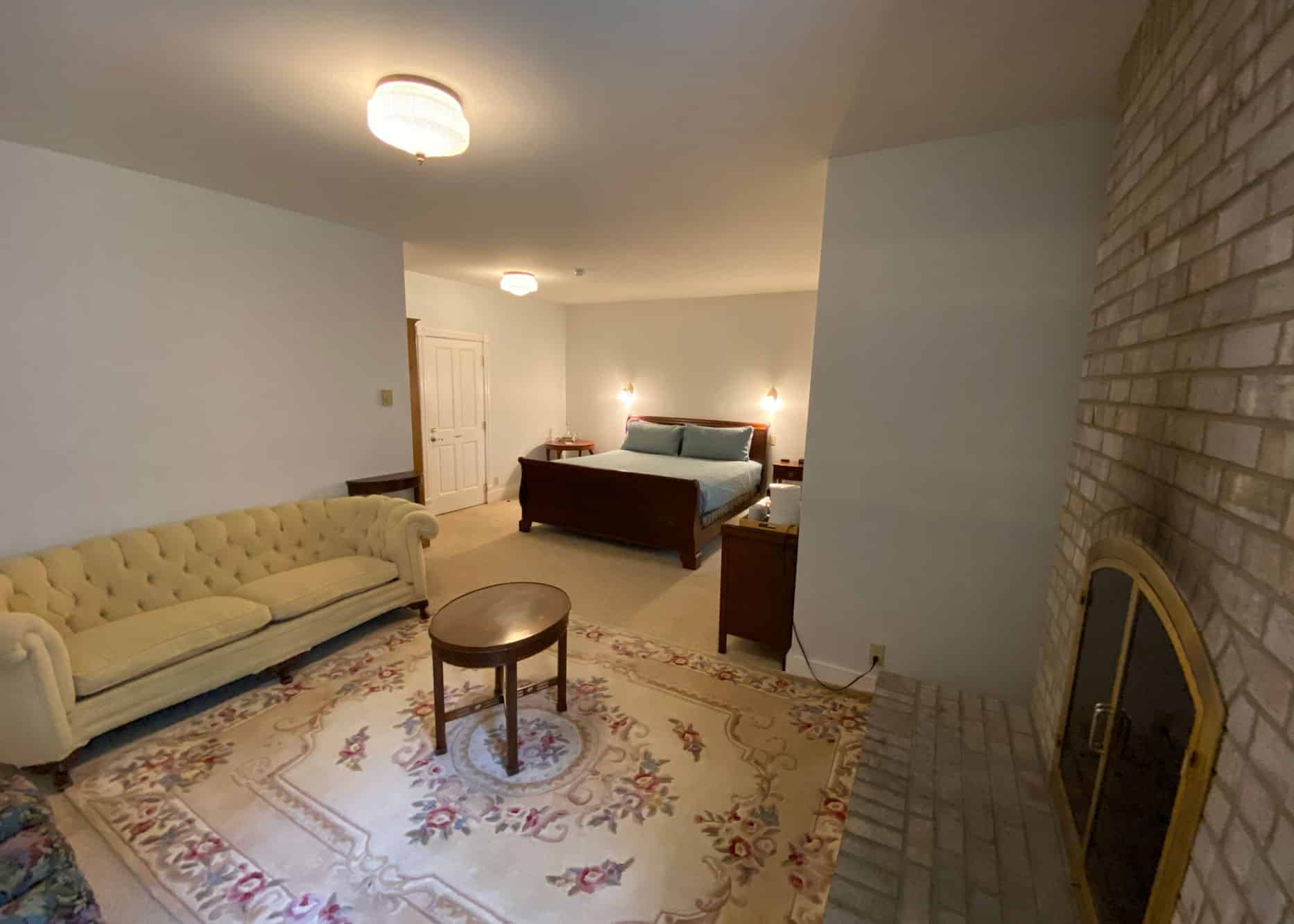 the-edenwild-inn-lopez-island-lodging-2020-room-02-02