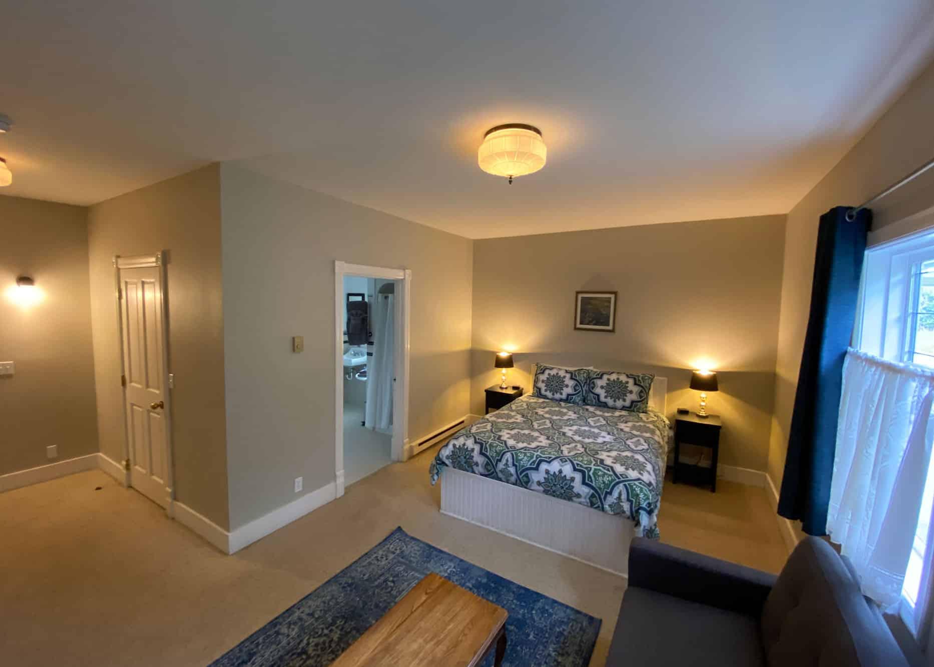 the-edenwild-inn-lopez-island-lodging-2020-room-03-01