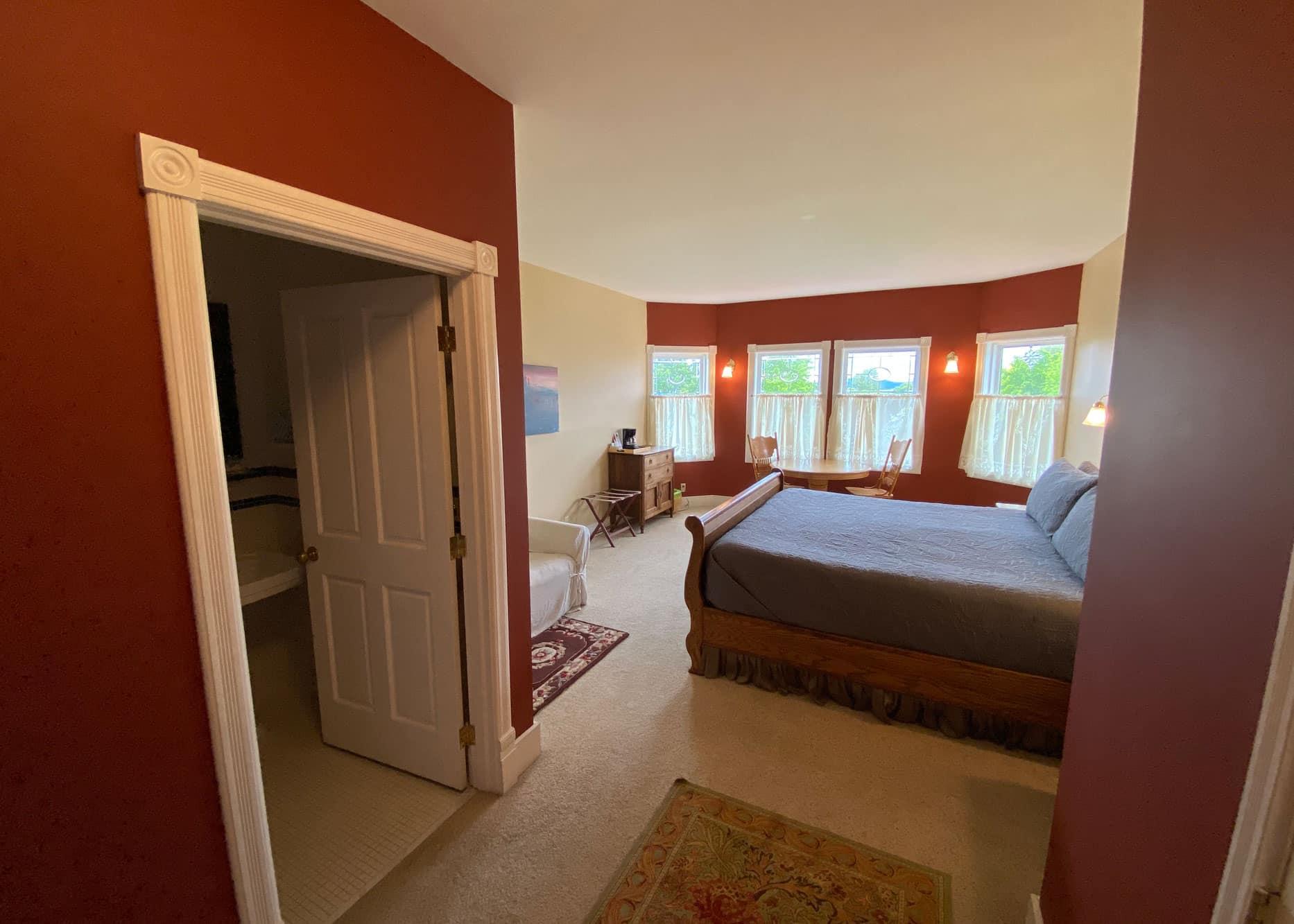 the-edenwild-inn-lopez-island-lodging-2020-room-05-01