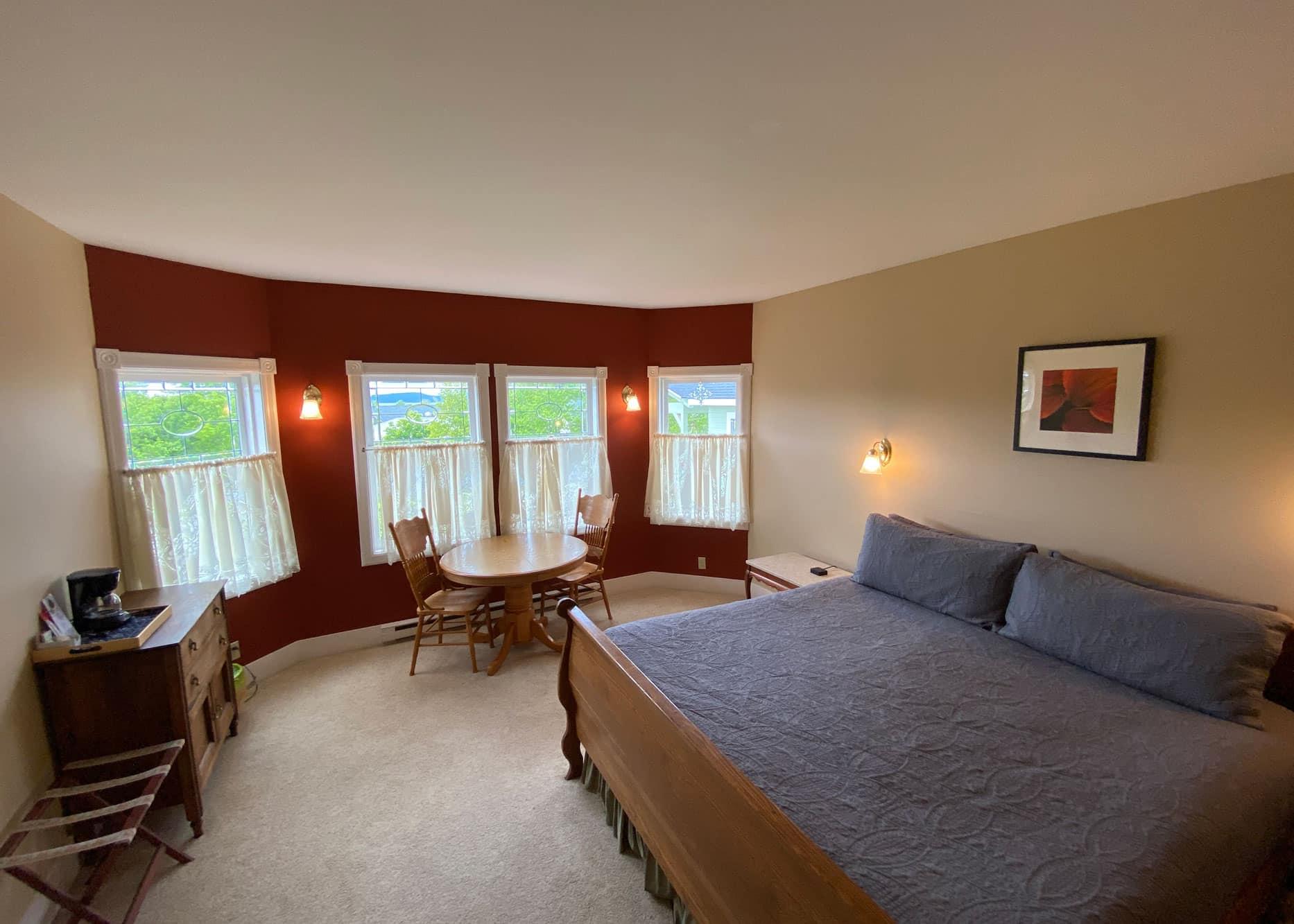 the-edenwild-inn-lopez-island-lodging-2020-room-05-03
