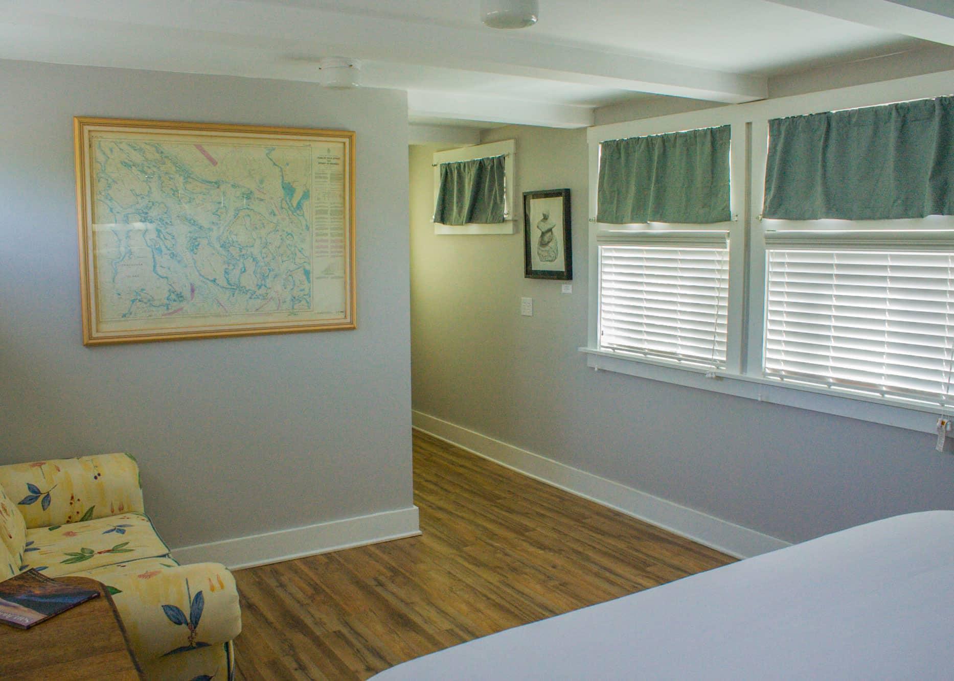 the-edenwild-inn-lopez-island-lodging-2020-room-09-04